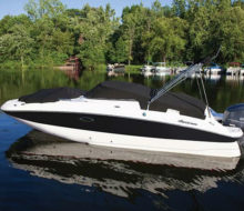 2017 Hurricane New SunDeck 2400 OB